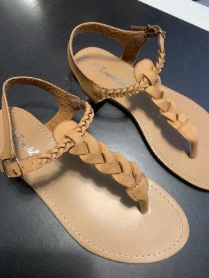 Neue Riemchen-Sandalen