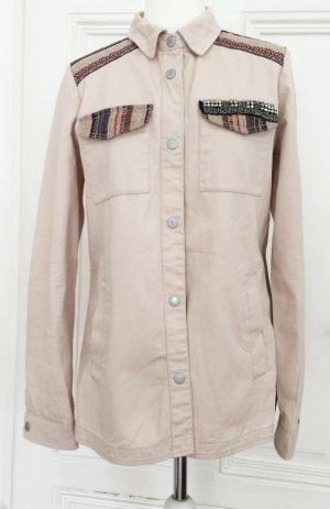 Neue Rosafarbene Bluse / Übergangsjacke 100 % Baumwolle mit Perlen, Druckknöpfen und Ethnomuster