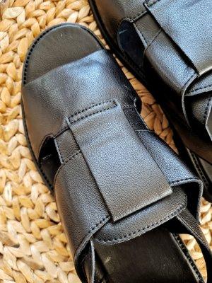 Neue Sandalen aus Naturleder 44