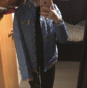 Neue schicke, blaue Jacke