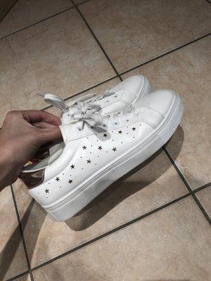 Neue Schuhe Gr. 40