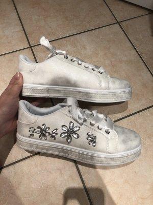 Neue Schuhe Größe 41