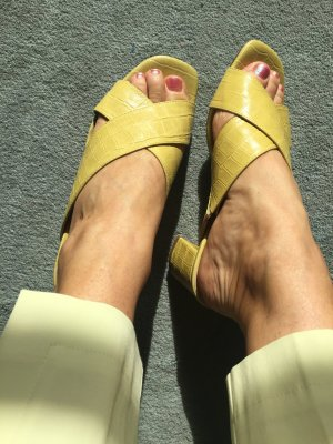 di Lauro Heel Pantolettes lime yellow leather
