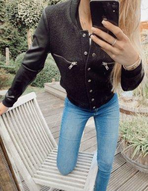 Neue schwarze Jacke von Second Female