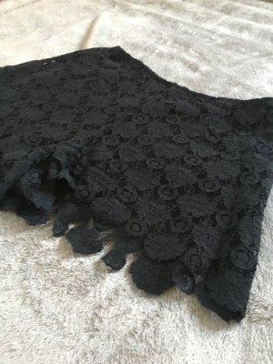 Neue schwarze Mango Spitzen Shorts