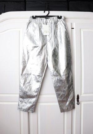 Zara Pantalón de cuero color plata