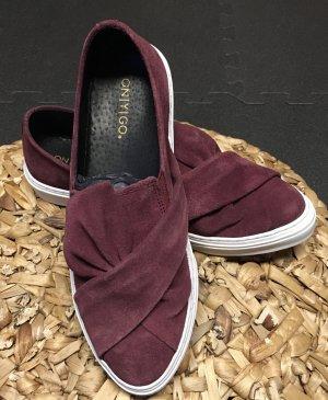 Neue Sneaker Bordeaux