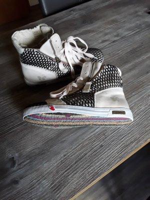 Neue Sneaker Felmini