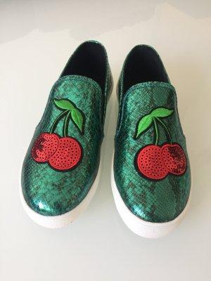 Neue Sneaker mit Pailletten Kirschen
