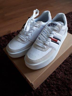 neue Sneaker von Tommy Jeans