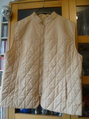 08/16 Quilted Gilet sand brown