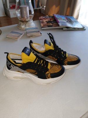 Neue Steve Madden Sneaker in Größe 38