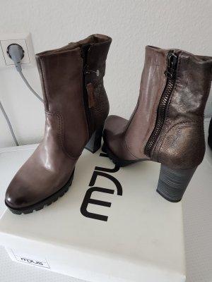 neue Stiefel / Stiefeletten, grau, Gr. 38