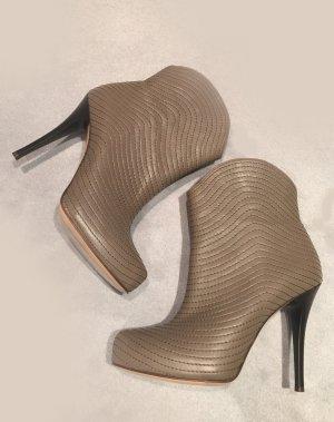 Neue Stiefeletten, Gr. 39, komplett aus Leder - Nude (dunkles beige), Stiefel