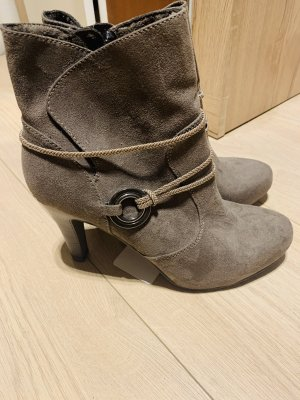 Tamaris Cut Out Booties grey