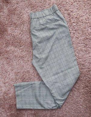 • Neue Stoffhose von Zara