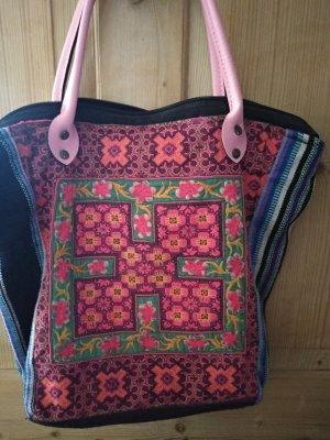 Neue toll bestickte Tasche, schöne Farben