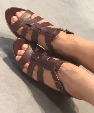 Strapped High-Heeled Sandals brown leather