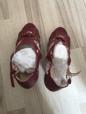 Neue, weinrote Sandalen in Größe 38!
