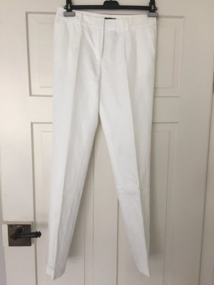 Neue weiße Falten-Hose