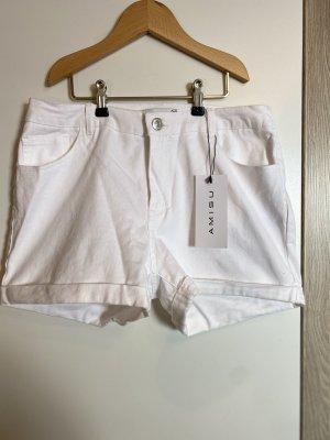 Neue, weiße Hotpants