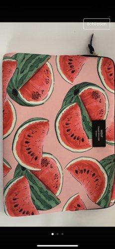 Bolso tipo pochette rojo frambuesa-verde