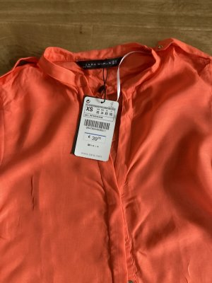 NEUE Zara Bluse mit Etikett