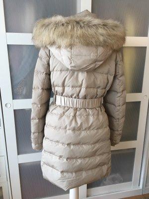 Neue Zara Daunenjacke L 38/40 beige Mantel Kunstfell Fake Fur Kapuze
