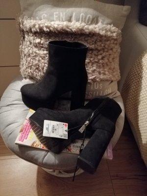 Zara Stivaletto con plateau nero
