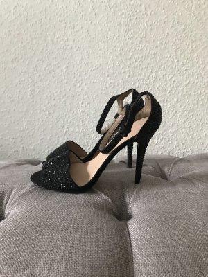 Neue Zara High Heels mit Strasssteinen