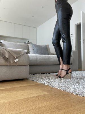 Neue Zara Kunstleder Hose