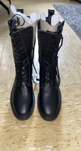 Zara Lace-up Boots black