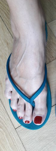 Benetton Toe-Post sandals cadet blue