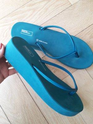 Benetton Sandalo toe-post blu cadetto