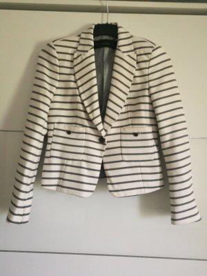 Neuer Blazer im maritimen Look von Zara