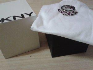 Neuer DKNY Ring in Violett/Silber
