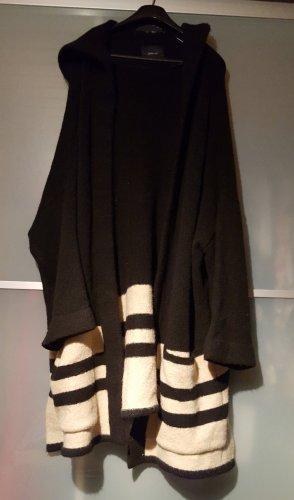neuer kuscheliger Zara Cardigan Größe M