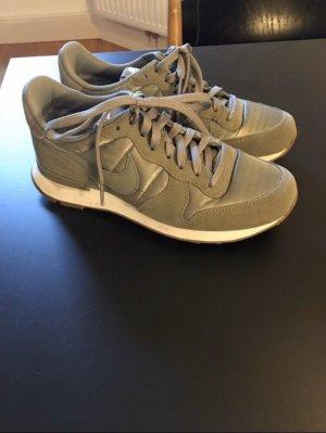 Neuer Nike Internationalist Größe 37,5