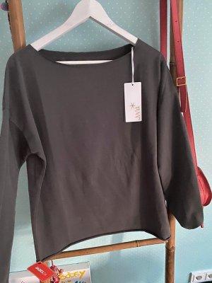 Neuer Sweater von Juvia