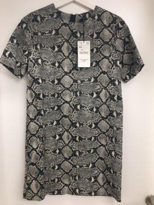 Neues A-Linien-Kleid Schlangenoptik Zara
