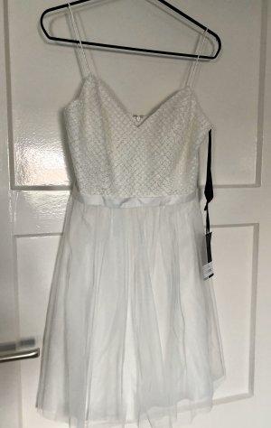 Neues Abendkleid von Laona