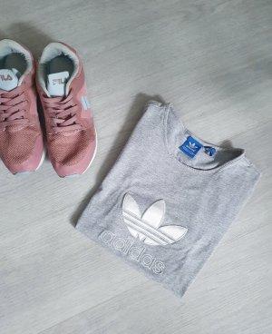 Neues Adidas Tee in grau