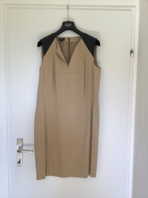 Neues elegantes Kleid von Escada -42