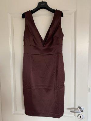 NEUES Etui-Kleid mit tiefem V-Ausschnitt