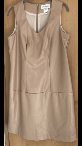 Amy Vermont Robe fourreau beige faux cuir