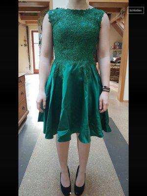 Neues grünes Abendkleid mit Blümchen (NP 240€)
