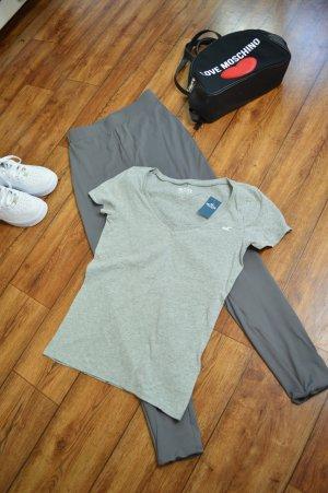 Neues Hollister T-Shirt Gr. 38