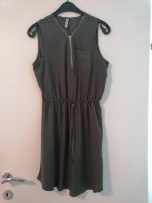 Colloseum Sukienka plażowa oliwkowy