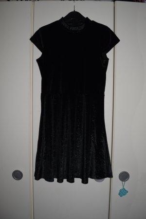 neues Kleid in schwarz, festliches Kleid, Gr. XXS/32
