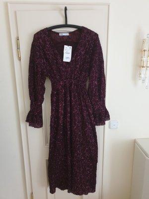 Neues Kleid mit Pailetten, Gr. S
